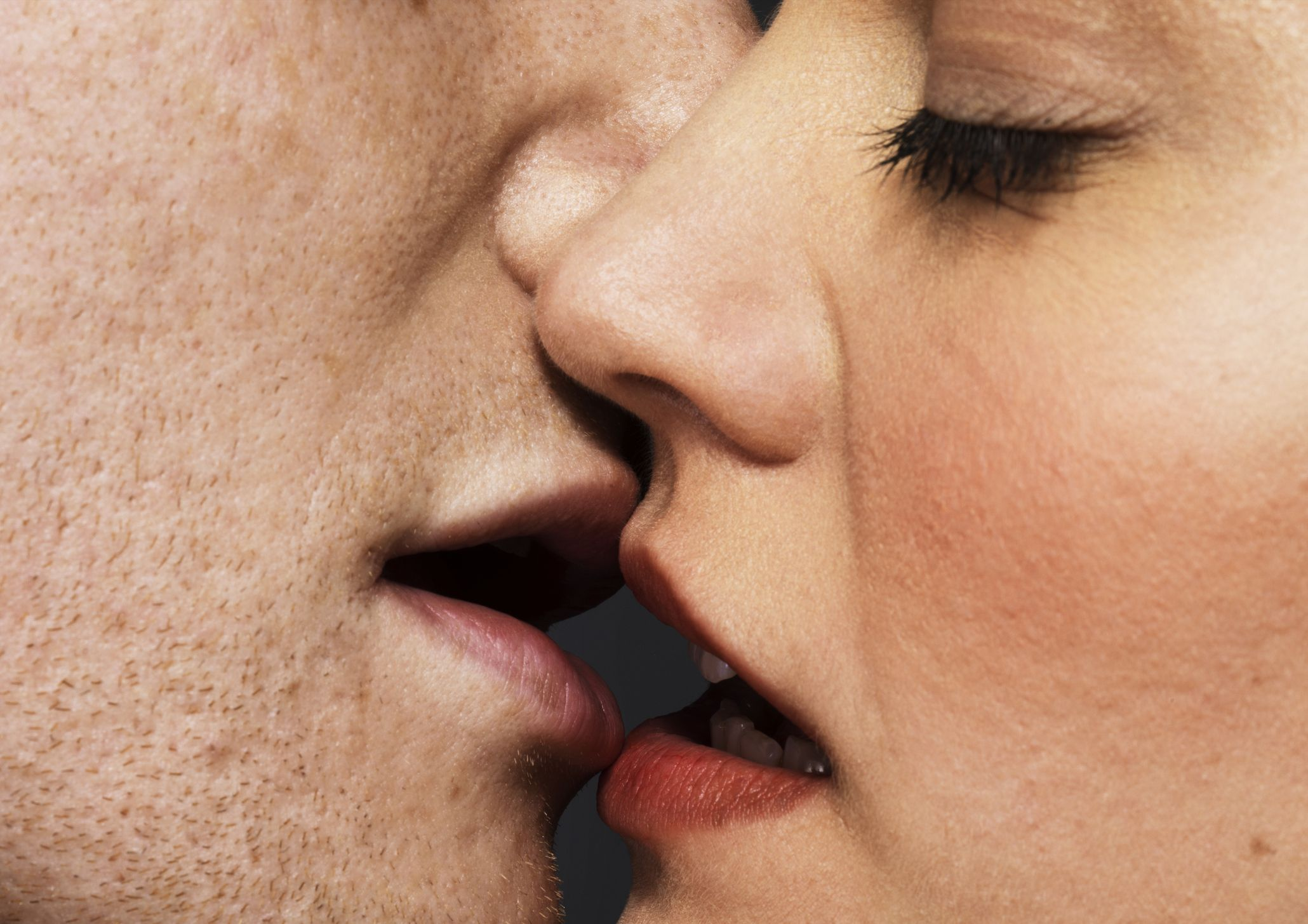 hpv mouth kissing